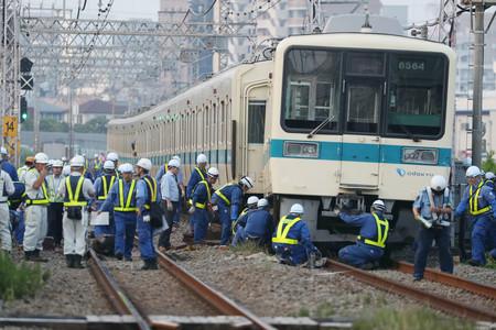 小田急線の踏切衝突事故と、麻生太郎の年金問題の関わり。立て続けに起きる不自然な鉄道事故。