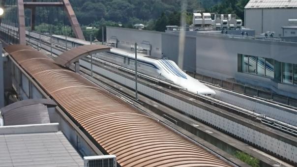 Youtuberスーツ氏は、リニア中央新幹線建設に対して中立な立場では無い。スーツ−JR東海−安倍晋三の繋がり。