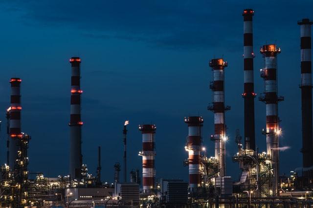 ガソリンなどの石油系燃料は、水素と炭素だけで出来ている。