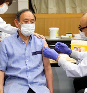 【打ったフリ】有名人達のワクチン接種の、おかしな点が多数指摘される。